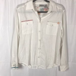 Chico's white 100% Linen embroidered Size 1 top